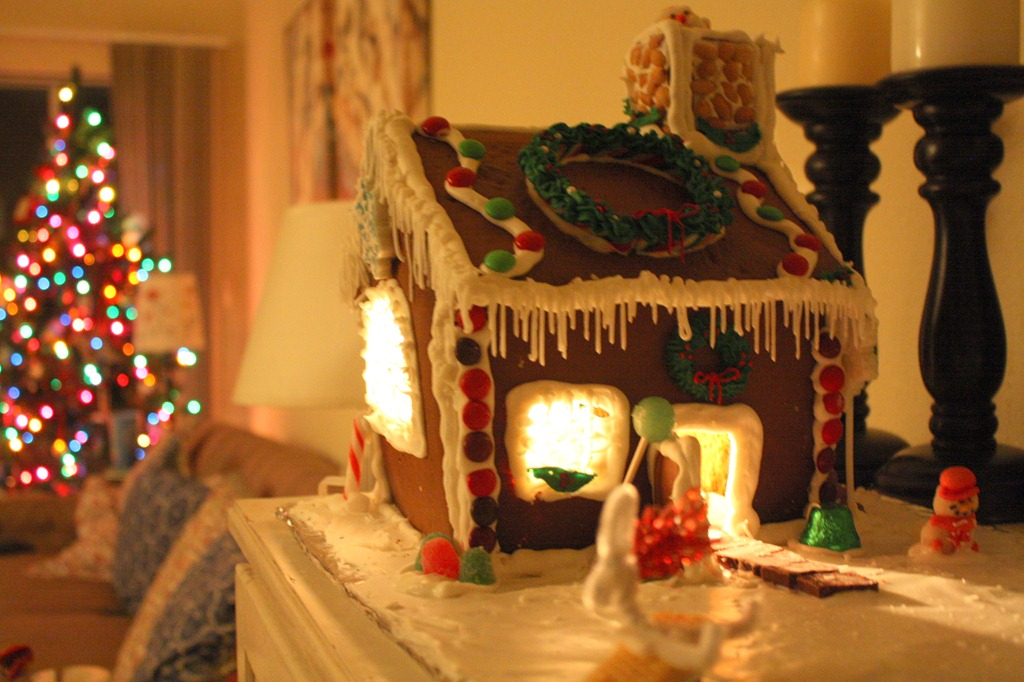 Decorating Ideas > My Gingerbread House ~ 042857_Christmas Decoration Ideas For Inside The Home