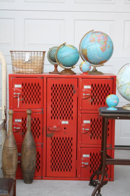 globes on lockers